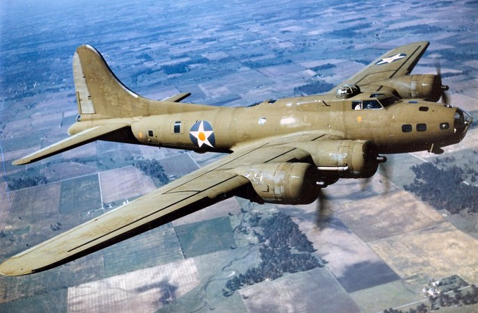 1200px-Color_Photographed_B-17E_in_Flight