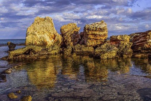 rocky-coast-2987158__340