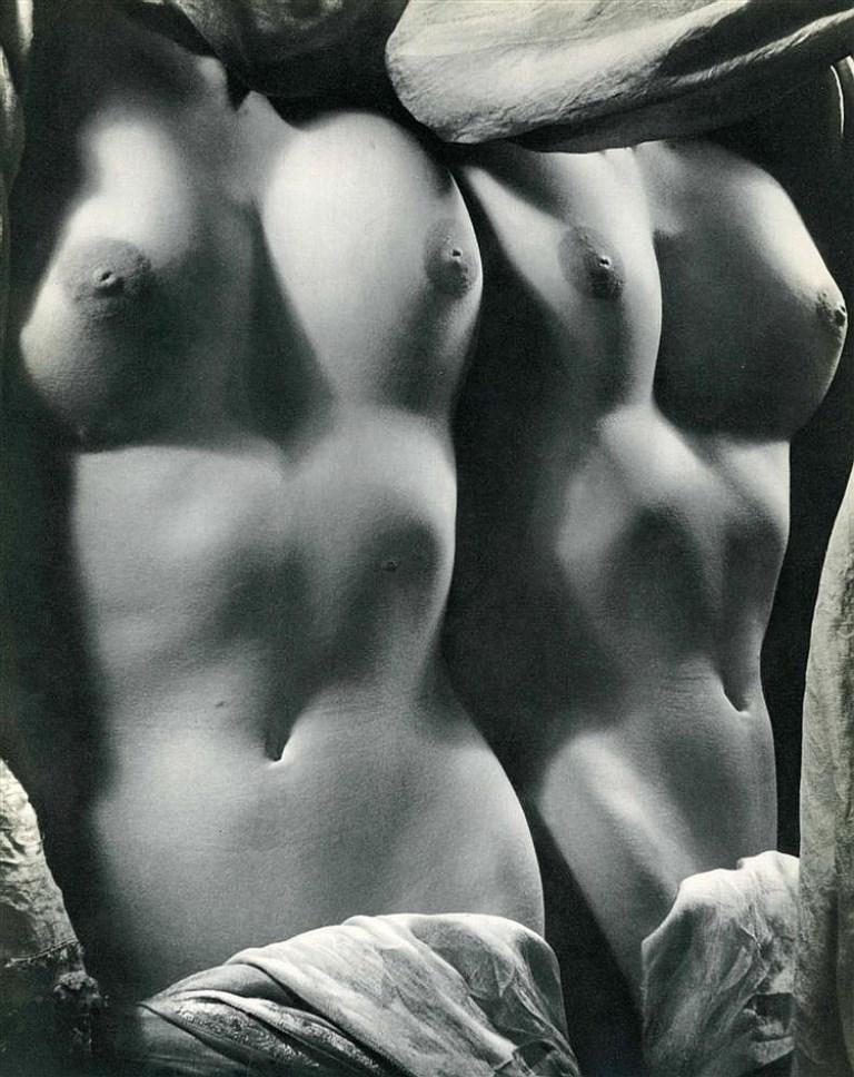 erwin-blumenfeld-nude-1939-via-invaluable1