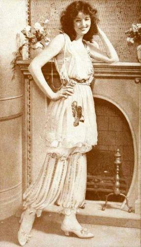 Doris Kenyon wearing pajamas in January 1920 Shadowland